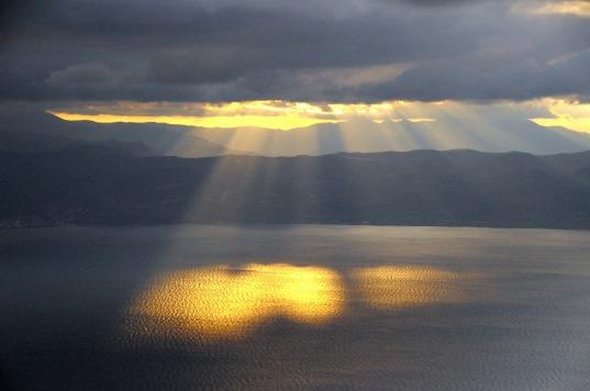 sun-rays-182170_1280